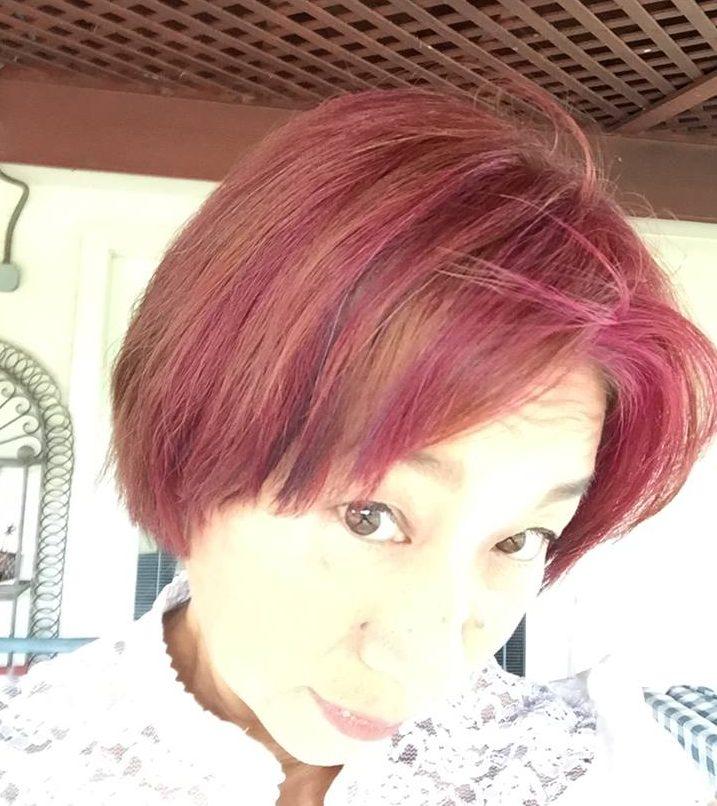 美容院で悟ったら頭髪がピンクになりました